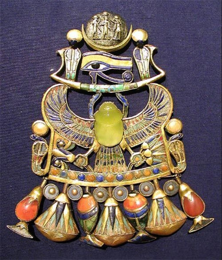King Tut's Tomb Contained a Scarab Carved From Rare Libyan Desert Glass