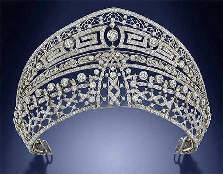 33 1/2 Carat TW Diamond and Platinum Tiara With Ties to Spanish Royalty Comes to Auction at Bonhams