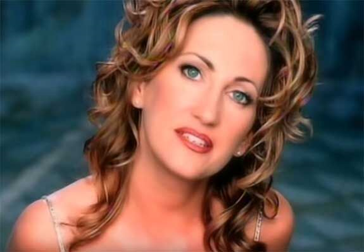 Musical Monday: Lee Ann Womack Needs to Know, 'Does My Ring Burn Your Finger?'