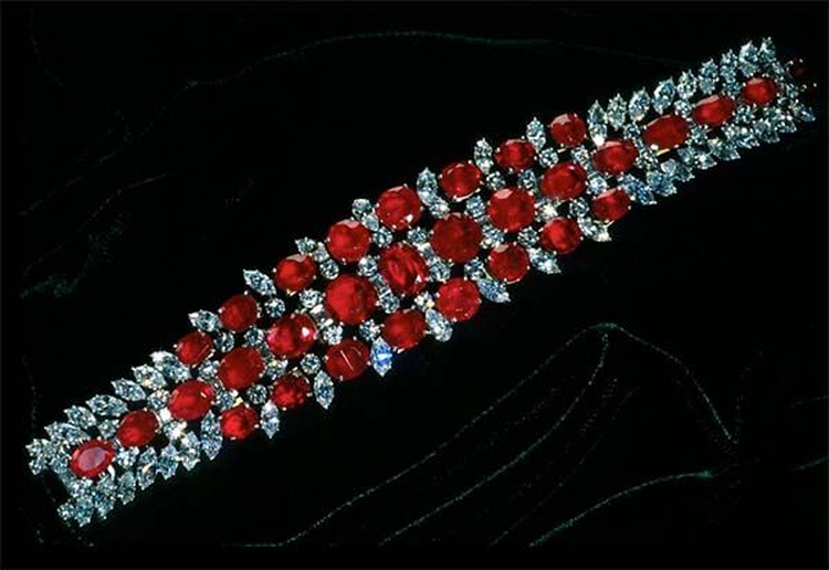 Birthstone Feature: In 1961, Smithsonian Received This 60-Carat Ruby Bracelet From a Secret Donor