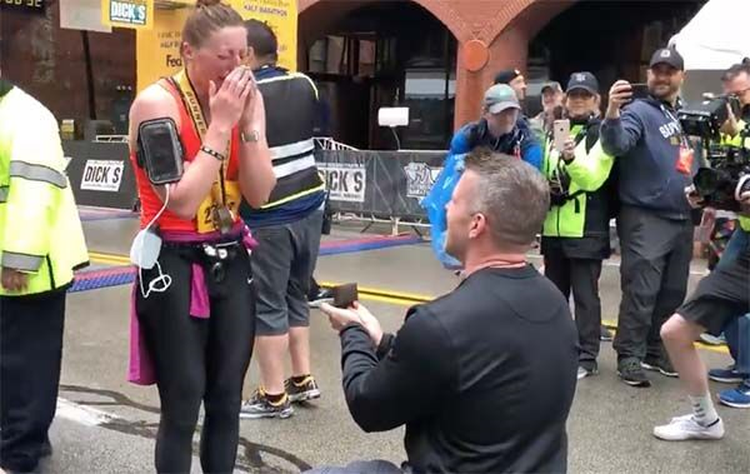 Athlete receives Diamond Engagement Ring Mere Seconds After Completing the Pittsburgh Marathon